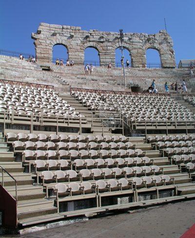 theater halle spielplan